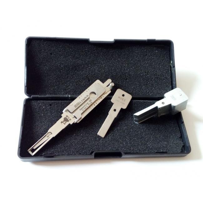 Přívěsek na klíče BMW kovový